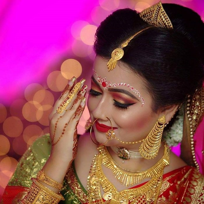 highlighted contoured cheeks in Bengali makeup