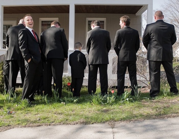 drunk groomsmen prank in wedding