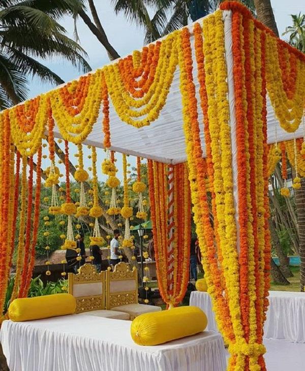 day time wedding entrance decoration