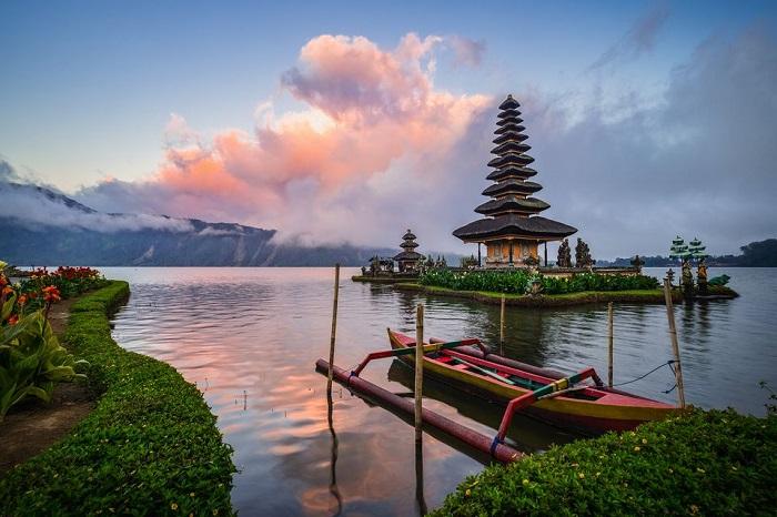 indonesia honeymoon destination