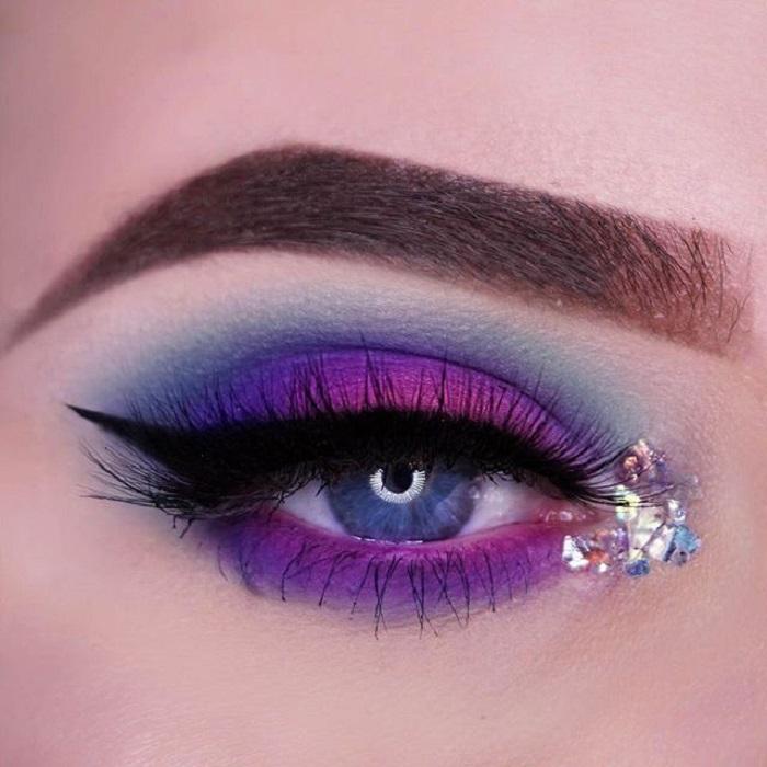 pink gradient makeup
