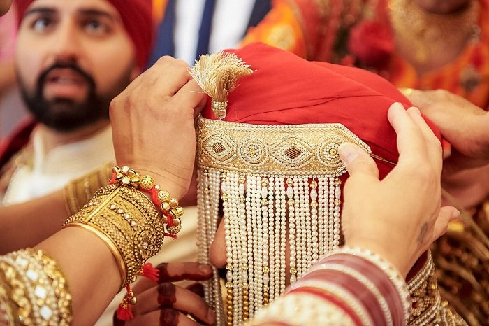 sehra bandi of groom in punjabi wedding