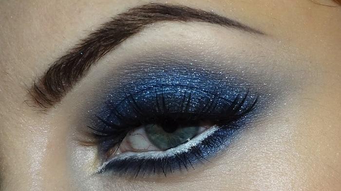 smokey colored eyes