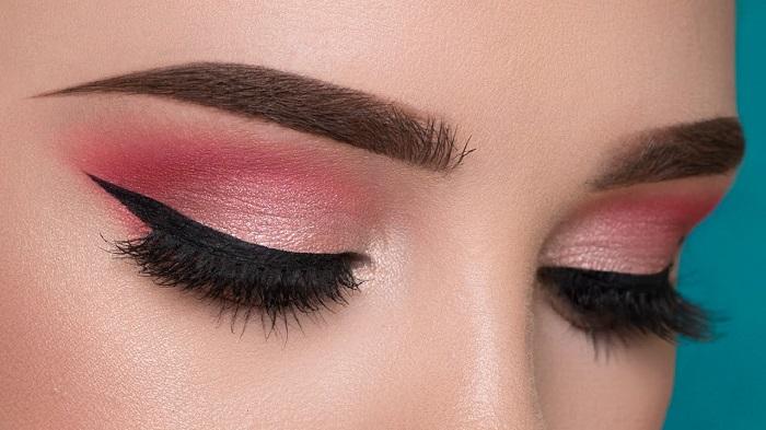 soft pinkish eye makeup