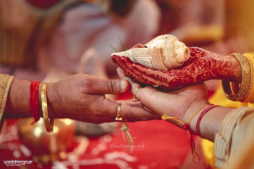 10 Quirky Wedding Traditions From Incredible India That Make Desi Weddings Special