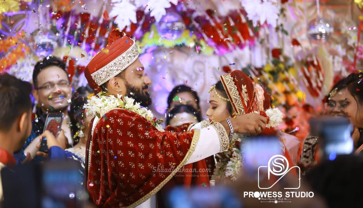 10 Quirky Wedding Traditions From Incredible India That Make Desi