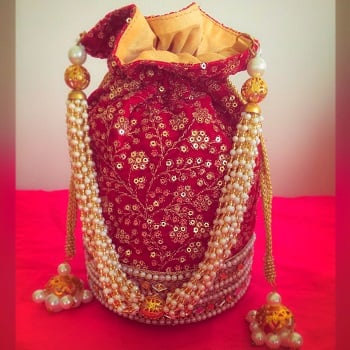 So Cute Potli Purses Designs You Get Swooned with: Flaunt it Wherever You Want to