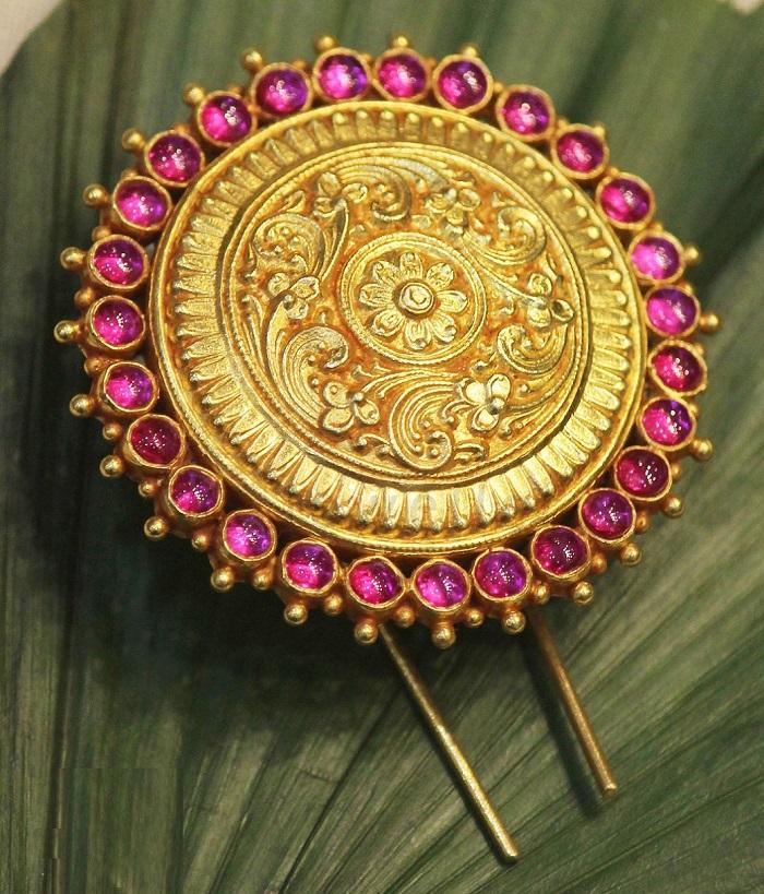 temple jewellery designs for bride
