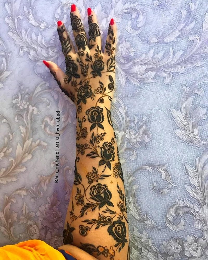 Beautiful Abstract Rose Mehendi Motifs On Your Ankle