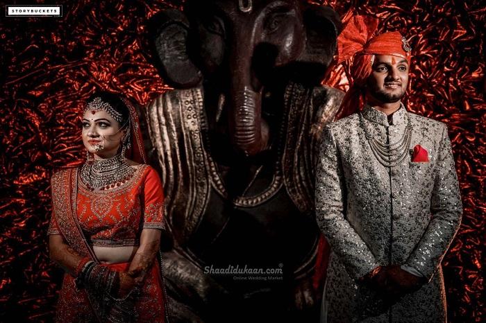 Traditional Wedding couple pose