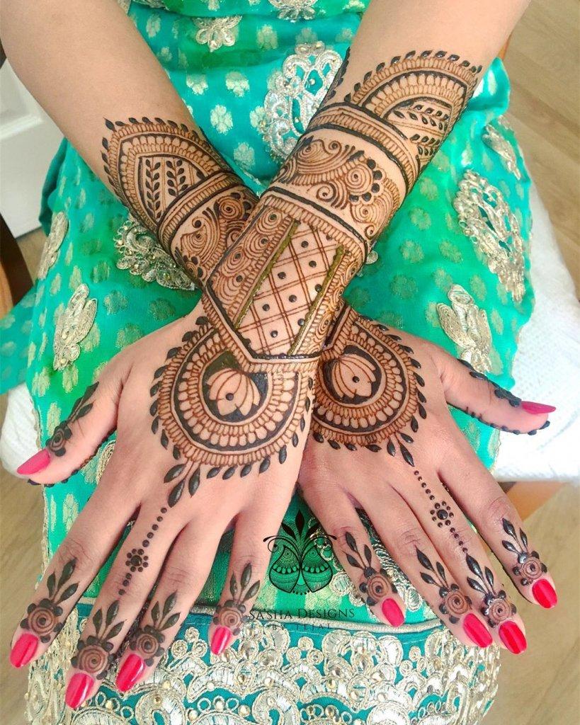 Big Bangle Like Jewelry Mehendi Design