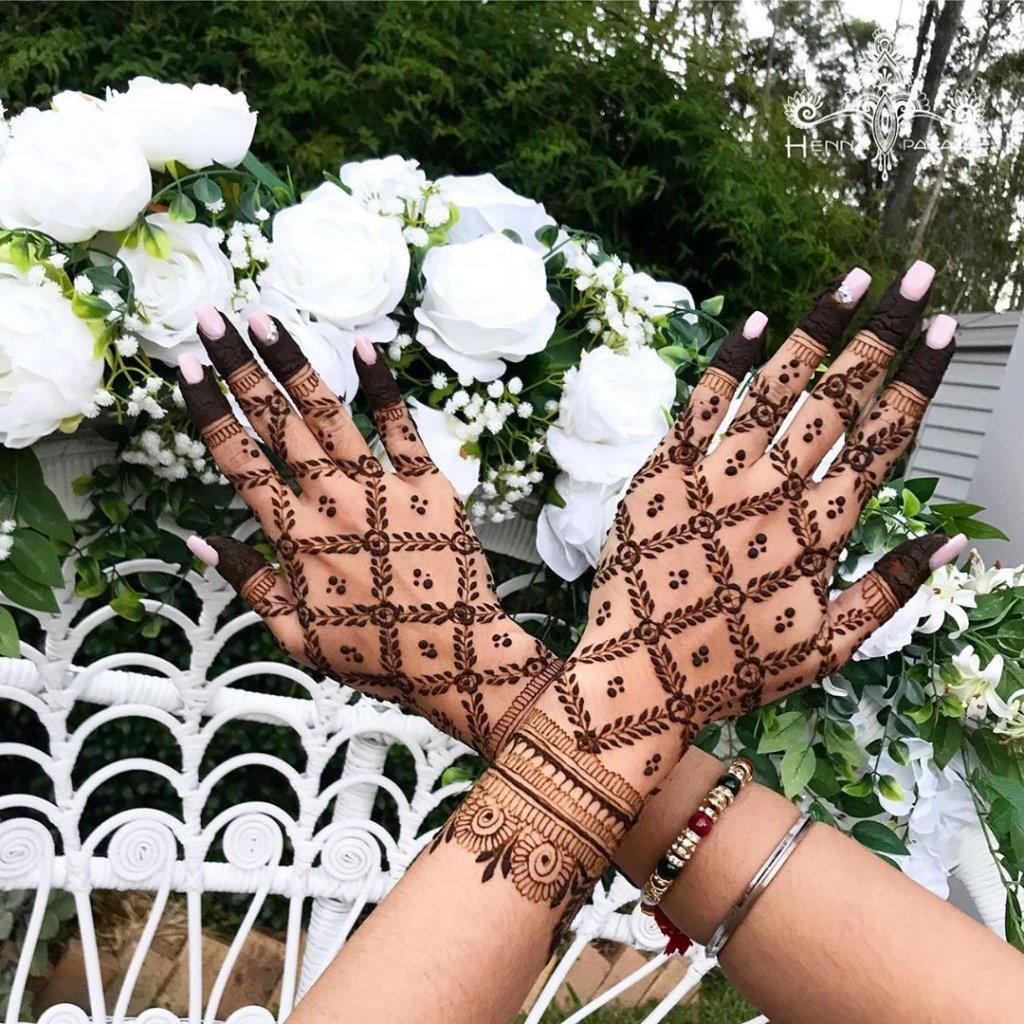 Big Rose And Leaf Jaali Mehendi Design