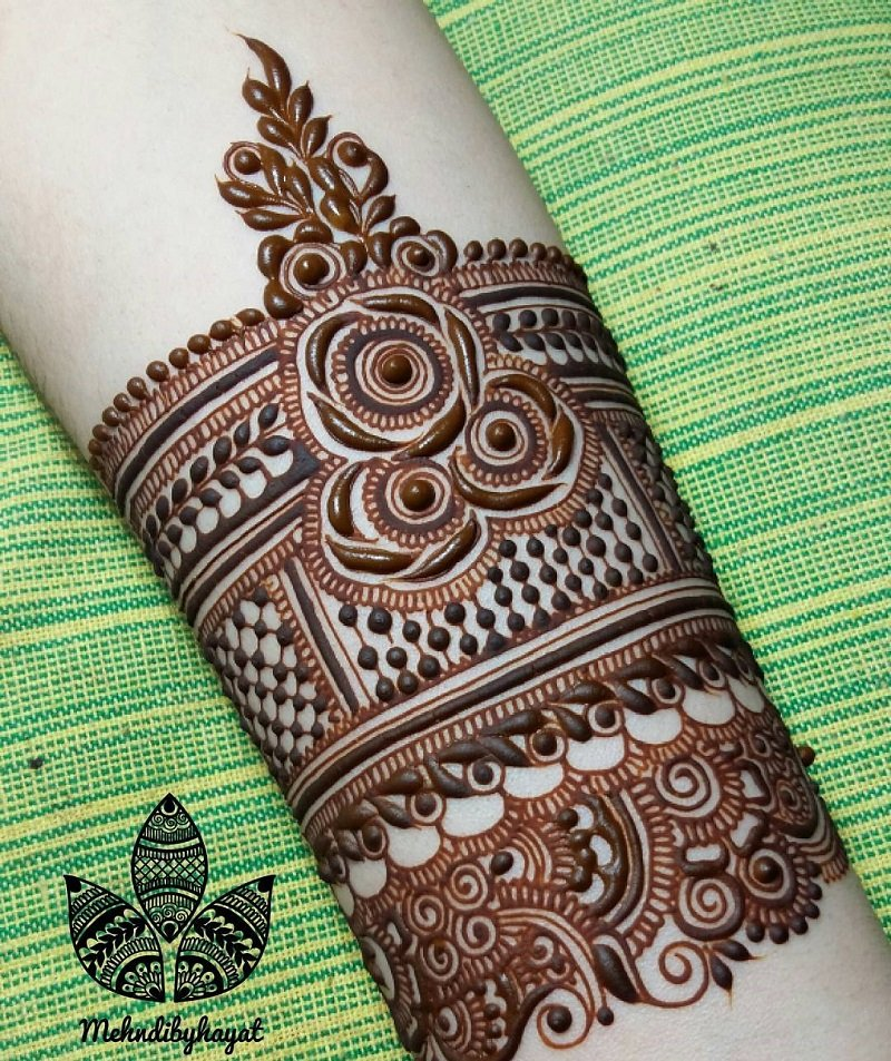 Easy Rose Mehendi Band Design For The Palm