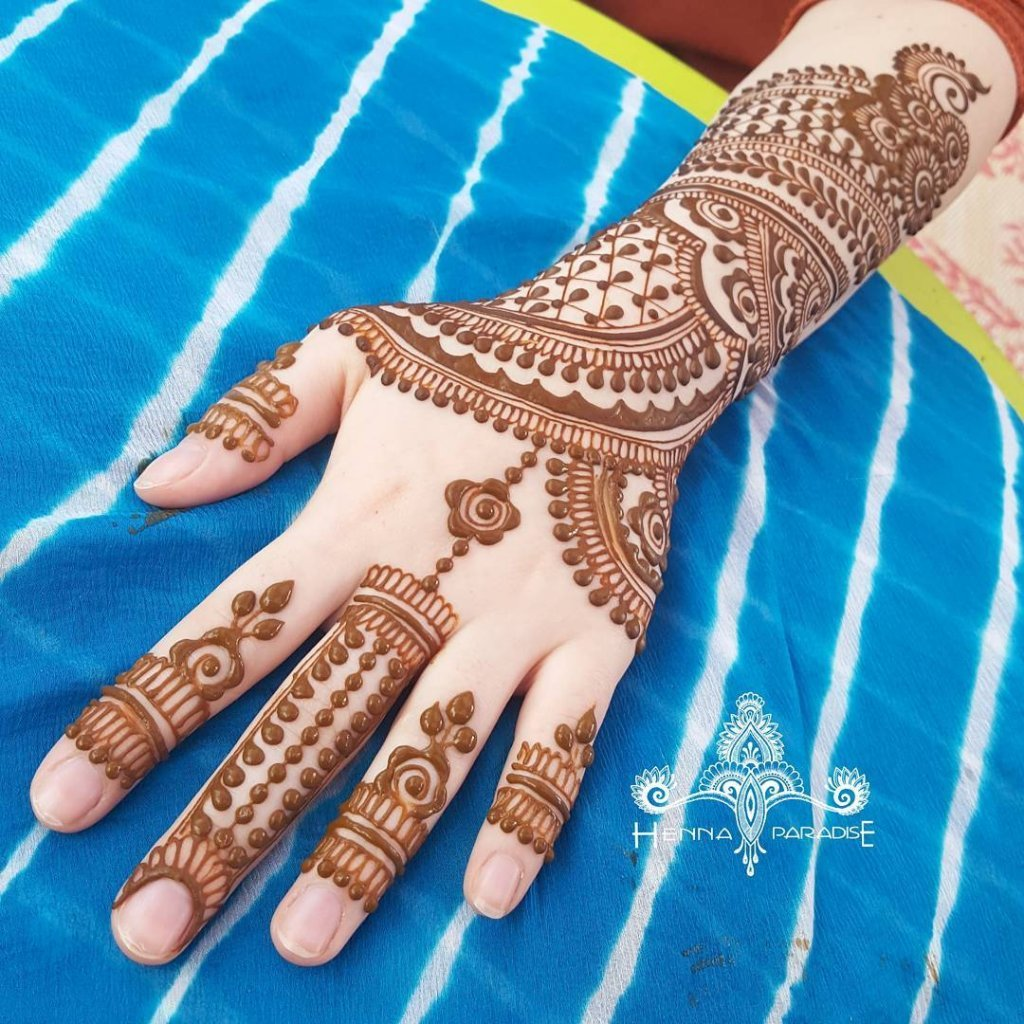 Haath Phool Mehendi Design With A String