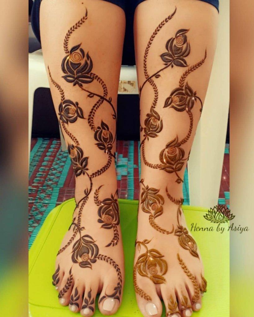 Rose Creeper Mehendi Designs For The Legs