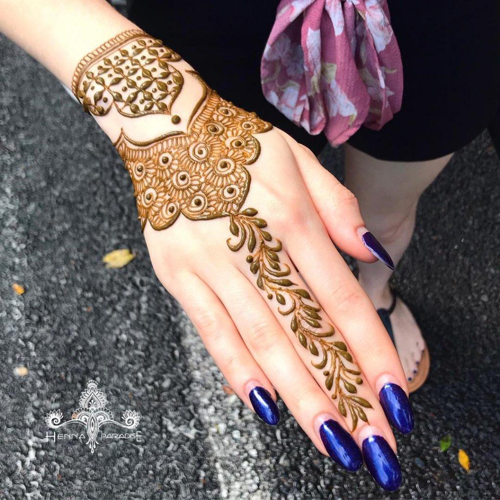 Single String Haath Phool Jewelry Mehendi Design