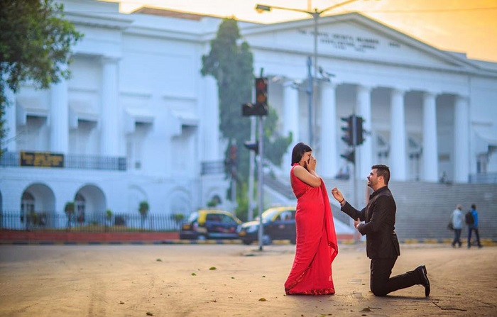 Street prewedding photoshoot Mumbai