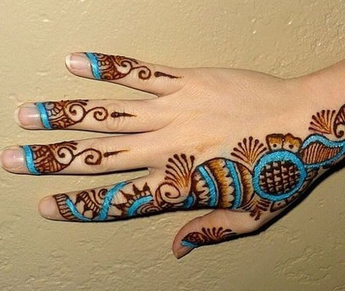 colored mehandi designs for fingers