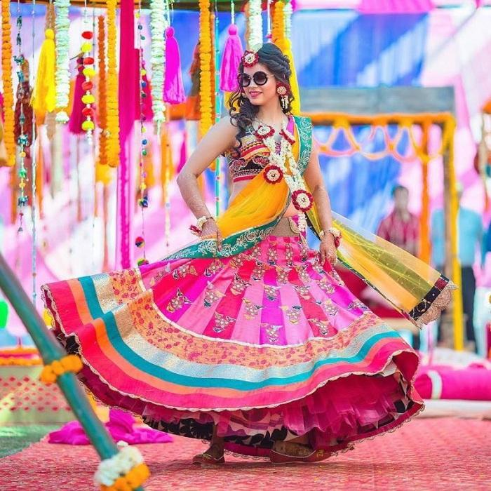 colorful lehnga for mehndi dresses
