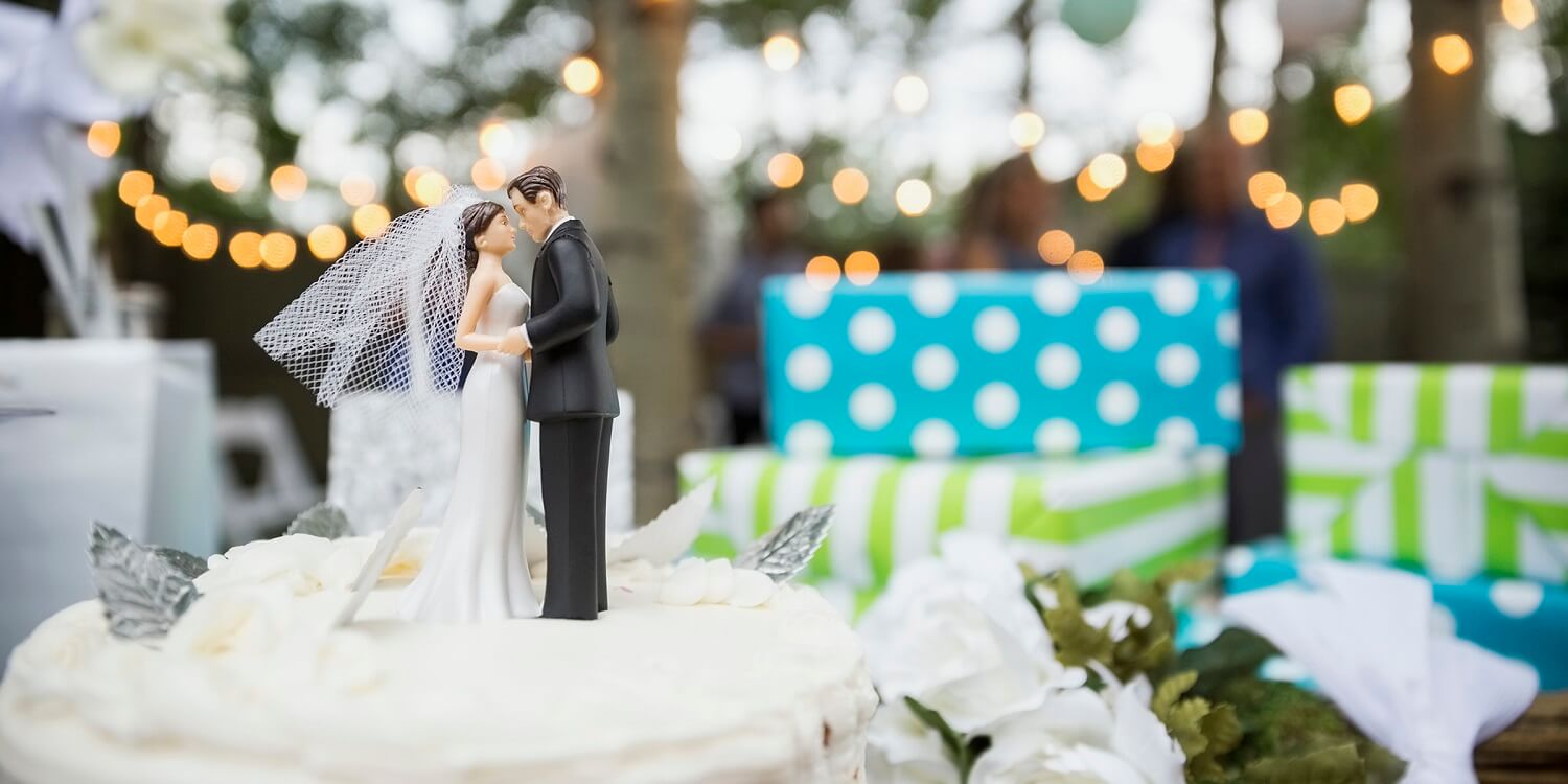 8 All seasons Unique Wedding Gifting Ideas For couples