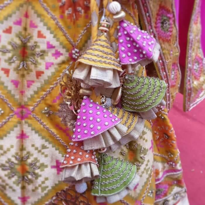 quirky tassel latkhan