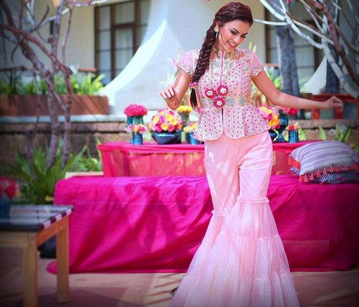 sharara look mehndi dresses