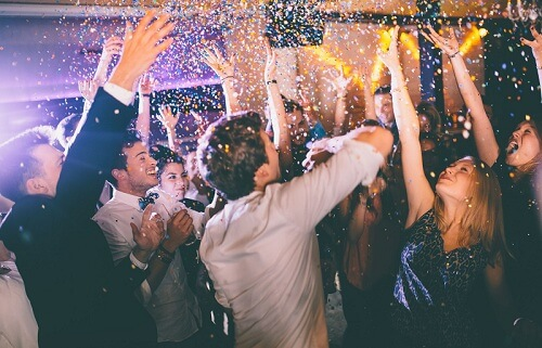 Ingenious Ways to Keep The Dance Floor Packed All Night Long At Your Wedding