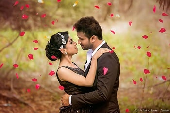 61+ Heart Melting Couple Hugs & Kisses Images to Draw Some Inspiration for Your Wedding Photoshoot
