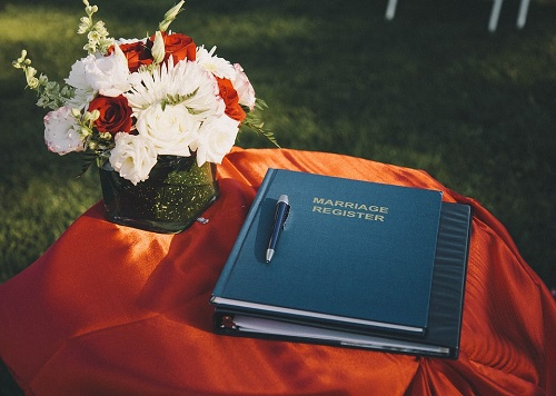 Some Good and Useful Gifts You can Add to Your Wedding Registry: Make A Long List Guys
