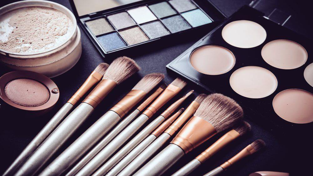Essential Beauty Products And Items Every Bride Must Keep In Her Vanity Box
