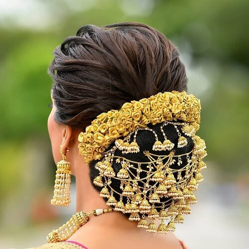 7 Quirky Wedding Hair Brooch Designs For The Perfect Bridal Look
