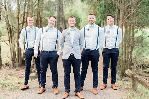 9 Worth Giving Gifts for Your Groomsmen: Surprise Them for Their Friendship and Love