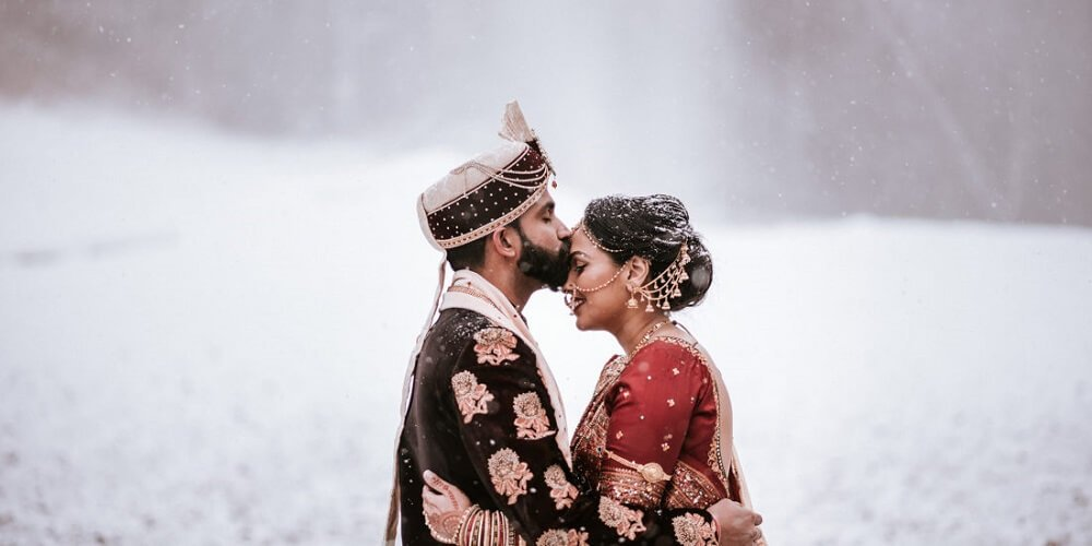 Amazing & Amusing Ideas To Add Right Touch Of Winter To Your Dreamy Winter Wedding
