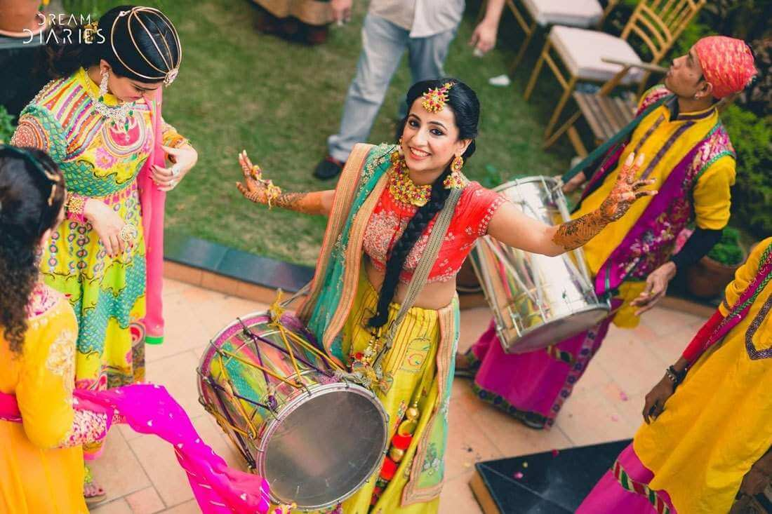 Groovy Punjabi Wedding Songs For Both Bride and Groom: You Would Never Get Tired of Dancing on Them