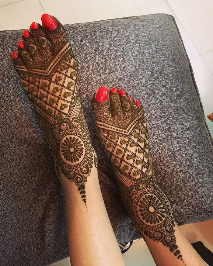 Little Hearts in Your Henna