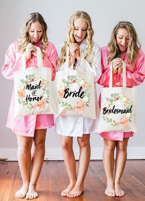 10 Amazing Tote Bag Ideas for Saying Thank You To Your Bridesmaids