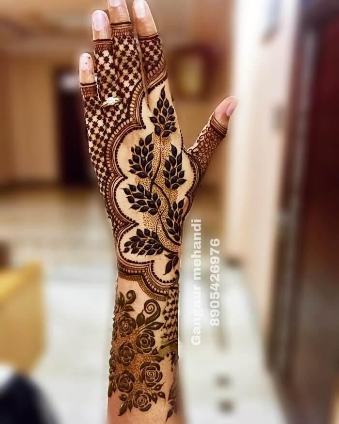 Leaf Pattern Henna Art