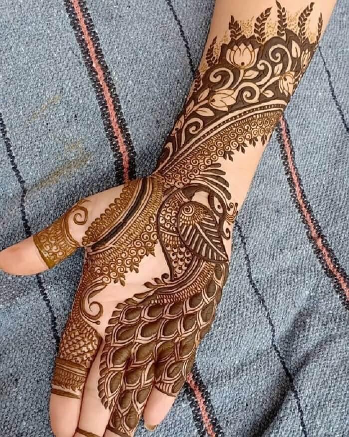 Peacock Motif Mehndi Art