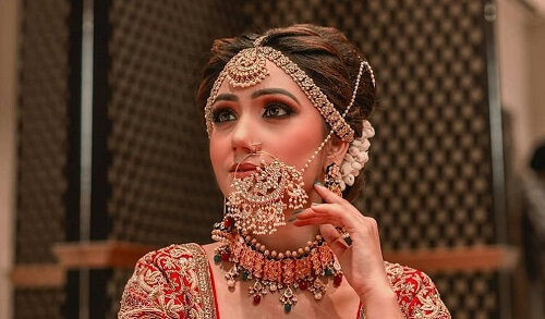 Trend Alert!!! Pick the Latest Nath Designs And Traditi...