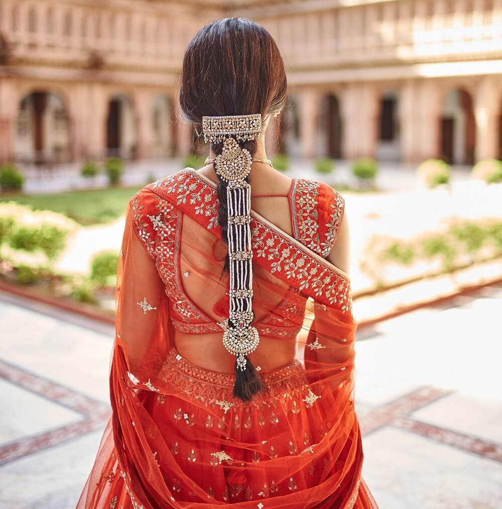 Try Out These Fascinating Hair Jewellery To Flaunt Your Modern Yet Traditional Bridal Look