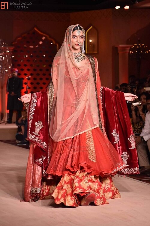 Thanks Bollywood For Giving Us Iconic Mughal Outfits That Are Ideal For Millennial Brides & Grooms