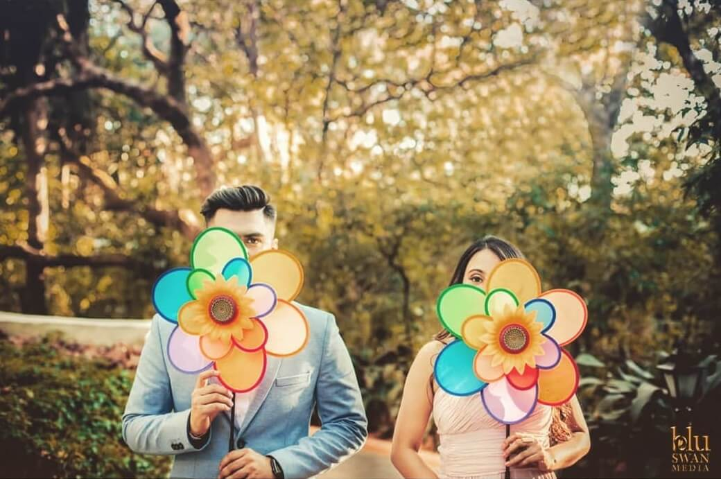 Capture The Fun With These 40 'Fun'-tastic Prewedding Photoshoot Prop Ideas