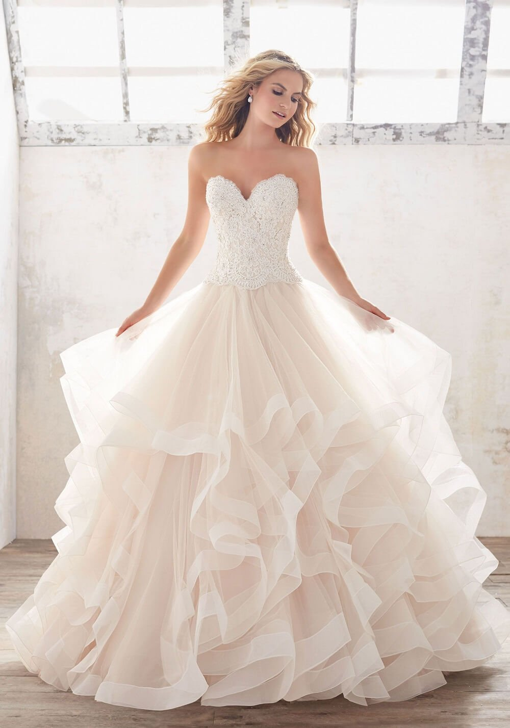 #6 Trending Bridal Gown Designs Perfect For Flaunting At White Weddings