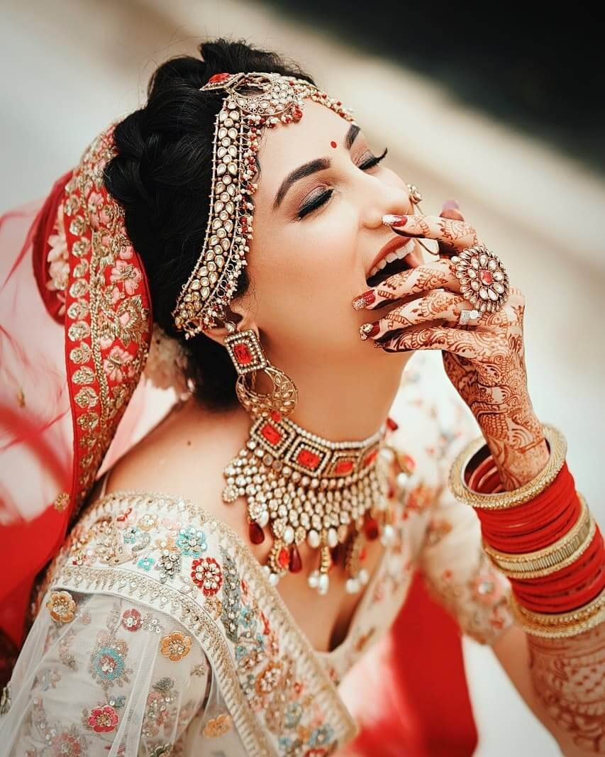 Gorgeous Solo Bride Poses For Your Wedding Charm Up Level Up The Oomph Factor