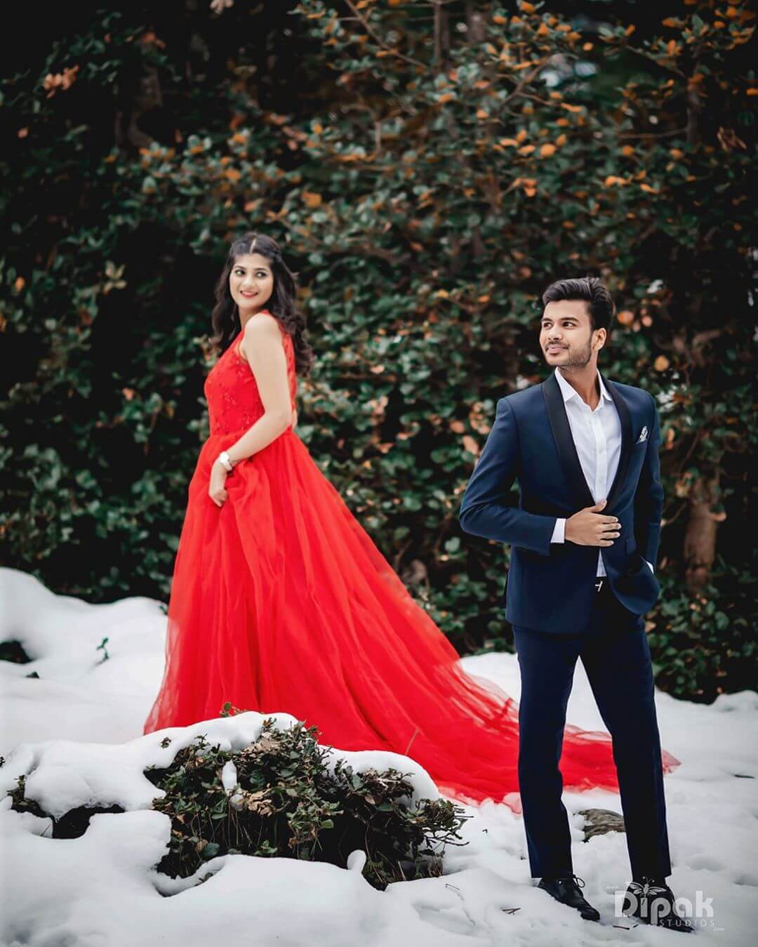 Attractive Groom Dresses for Pre Wedding Photoshoot: Swoon With Your Style