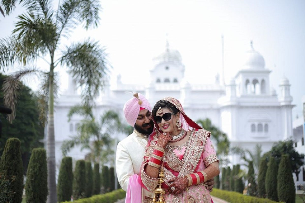 """Savour The Moments That You'll Cherish For a Lifetime By Getting Yourself Clicked By """"Shingar Studio"""" at Your Wedding"""