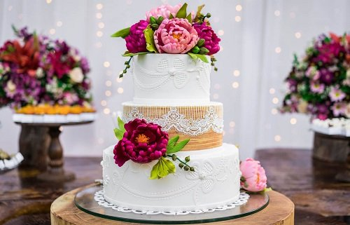10 Best Drool Worthy Designer Cakes in Delhi For The Ultimate Sweet Wedding Experience