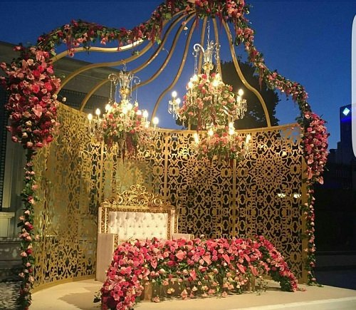 40+ Gorgeous Engagement Stage Decoration Ideas Perfect ...