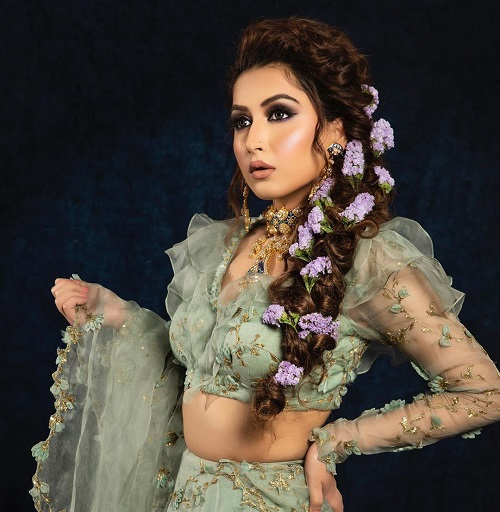 Stunning Engagement Makeup Looks for The Wedding Season 2020