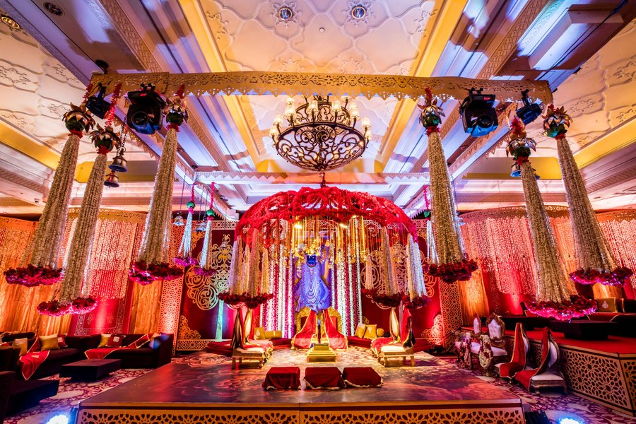 The Ultimate Guide of Luxury Hotels in Delhi For Having A Bombastic Reception!